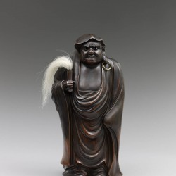 A Bizen pottery sculpture of Daruma