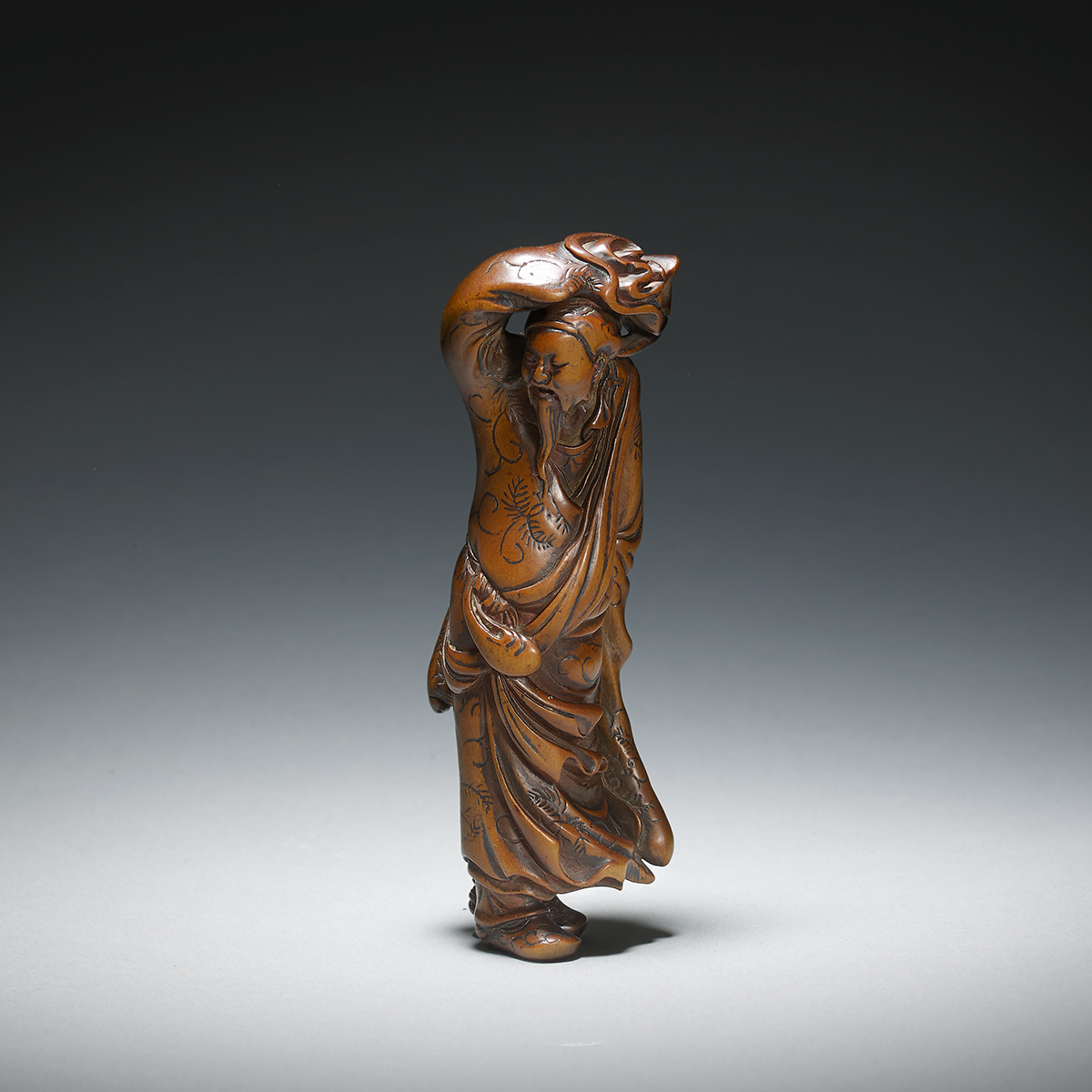 Wood-hero-netsuke-mr1923