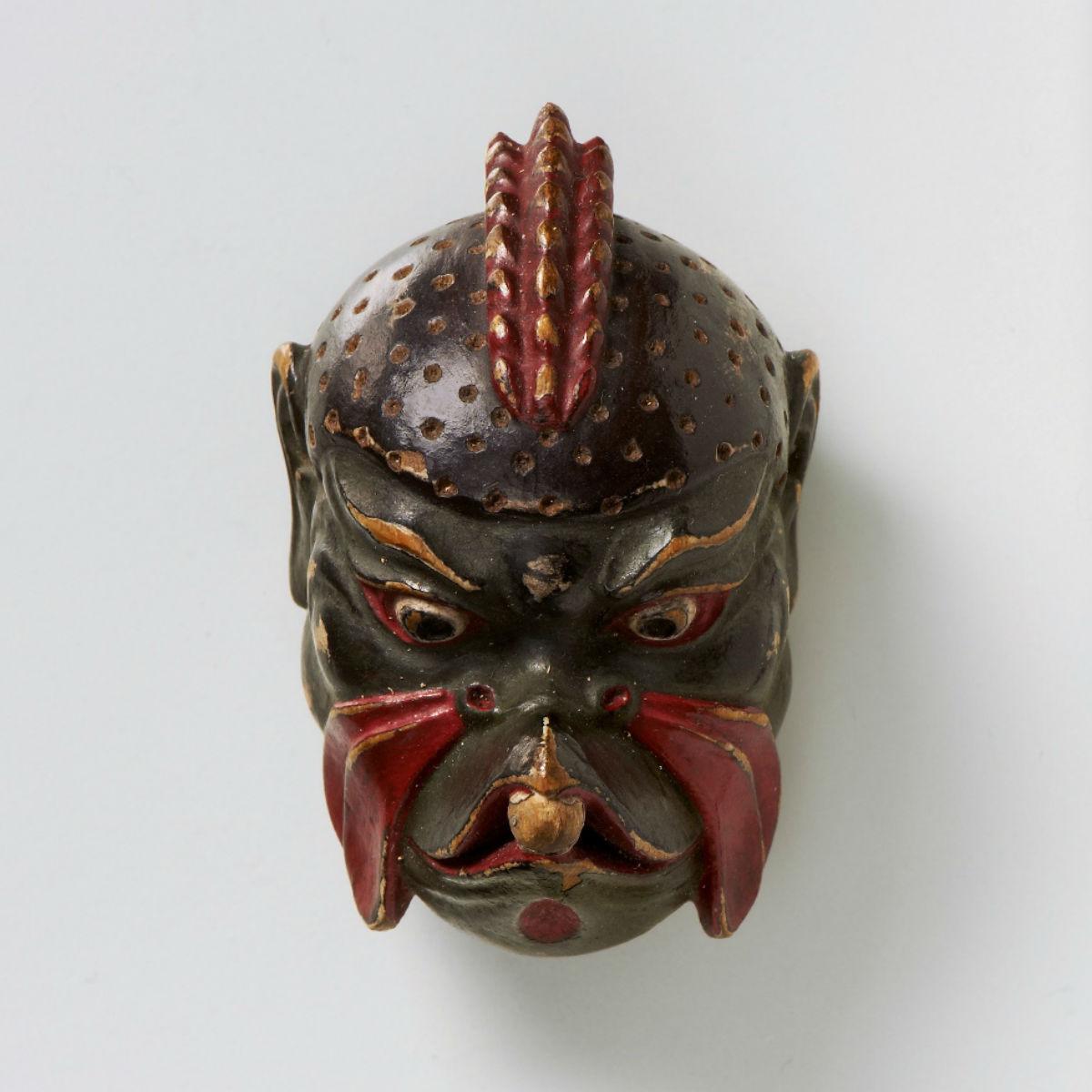 Lacquered wood mask netsuke-Karura-mr2436