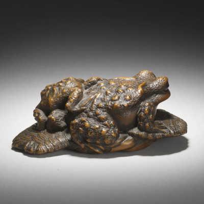 Wood Okimono Frogs by Masanao of Yamada rear view