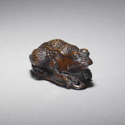 Iwami style soft wood netsuke of a toad