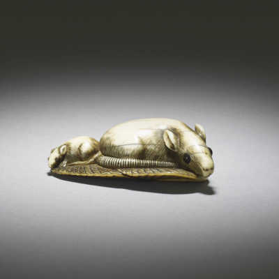 Ivory netsuke of three rats on leaves