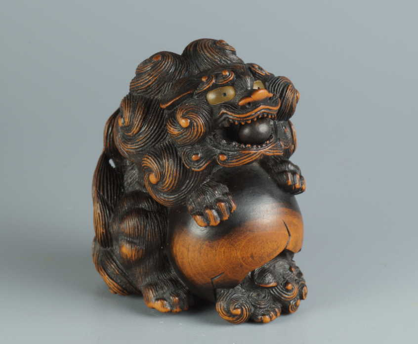 Naito Toyomasa, wood netsuke of shishi