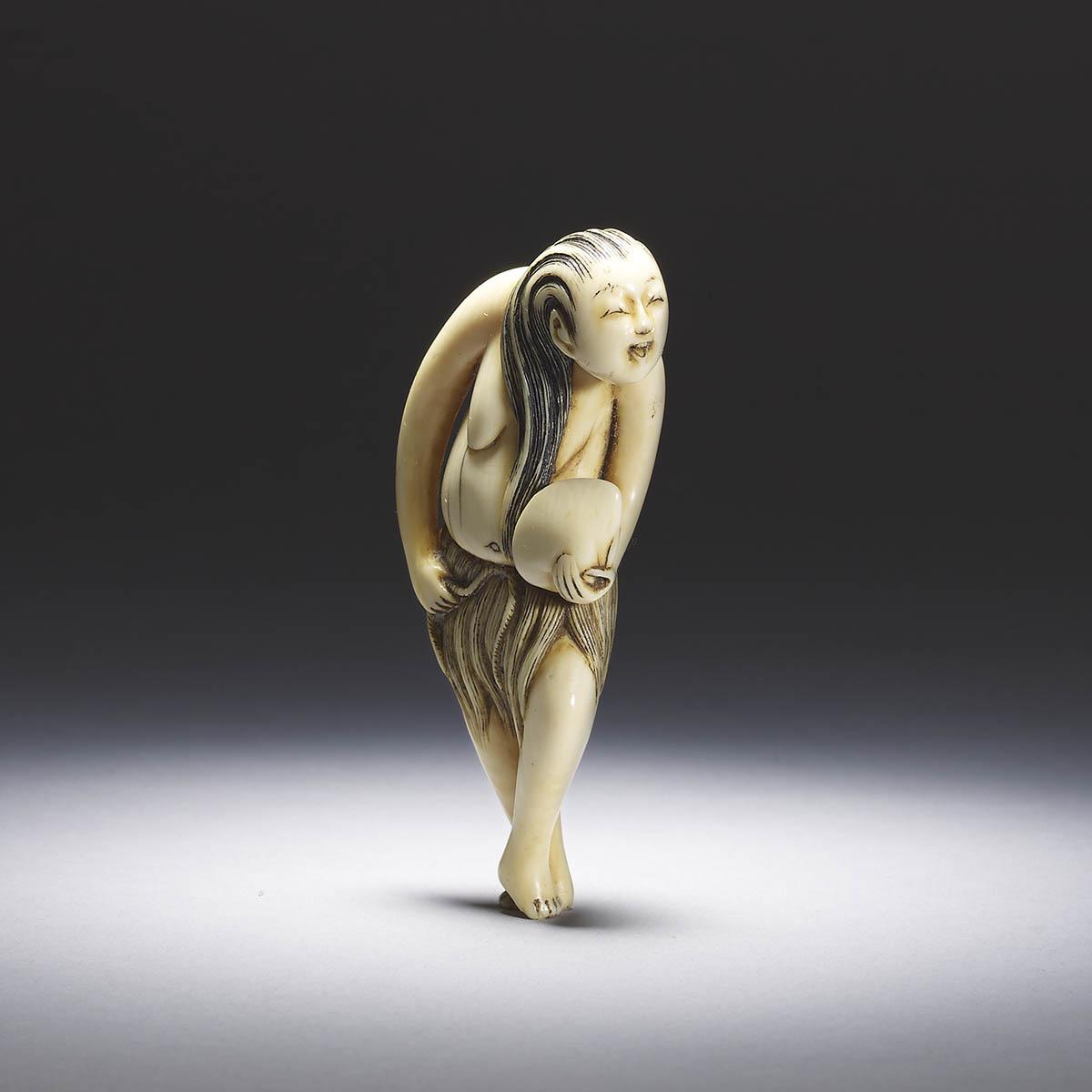 Elfenbein Netsuke einer Ama