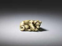 Okatomo, Ivory netsuke of a bitch and pup