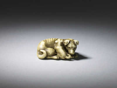 Okatomo, Ivory netsuke of a bitch and pup