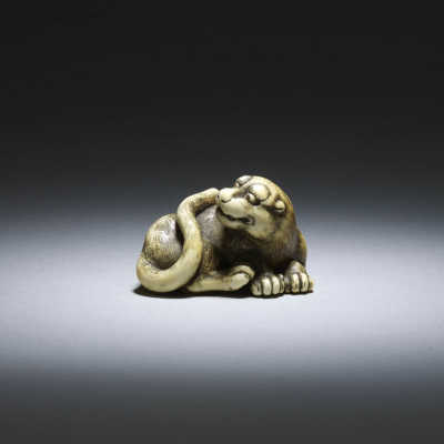 Okatomo, ivory netsuke of a male tiger_