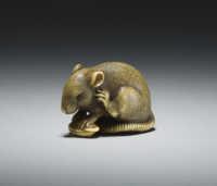 Okatomo, ivory netsuke of a rat