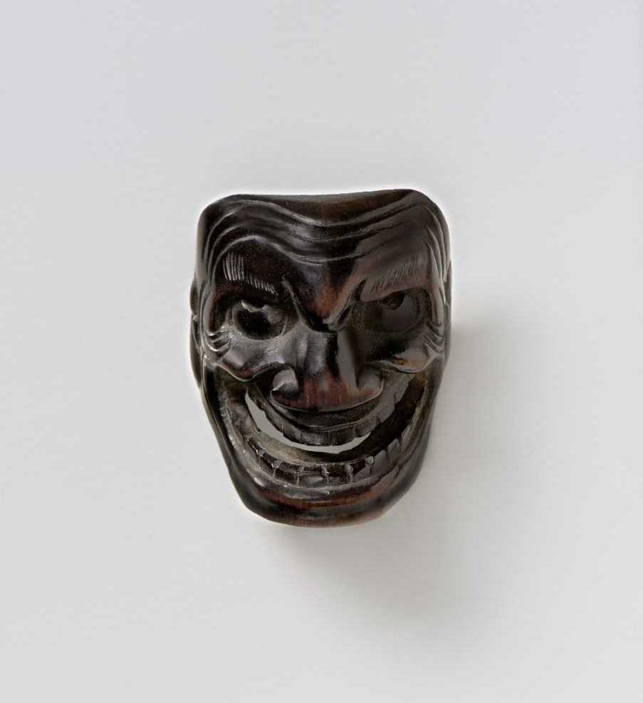Somon, wood mask netsuke of Akujo