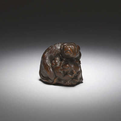 Tametaka, A large wood netsuke of a bitch and three pups
