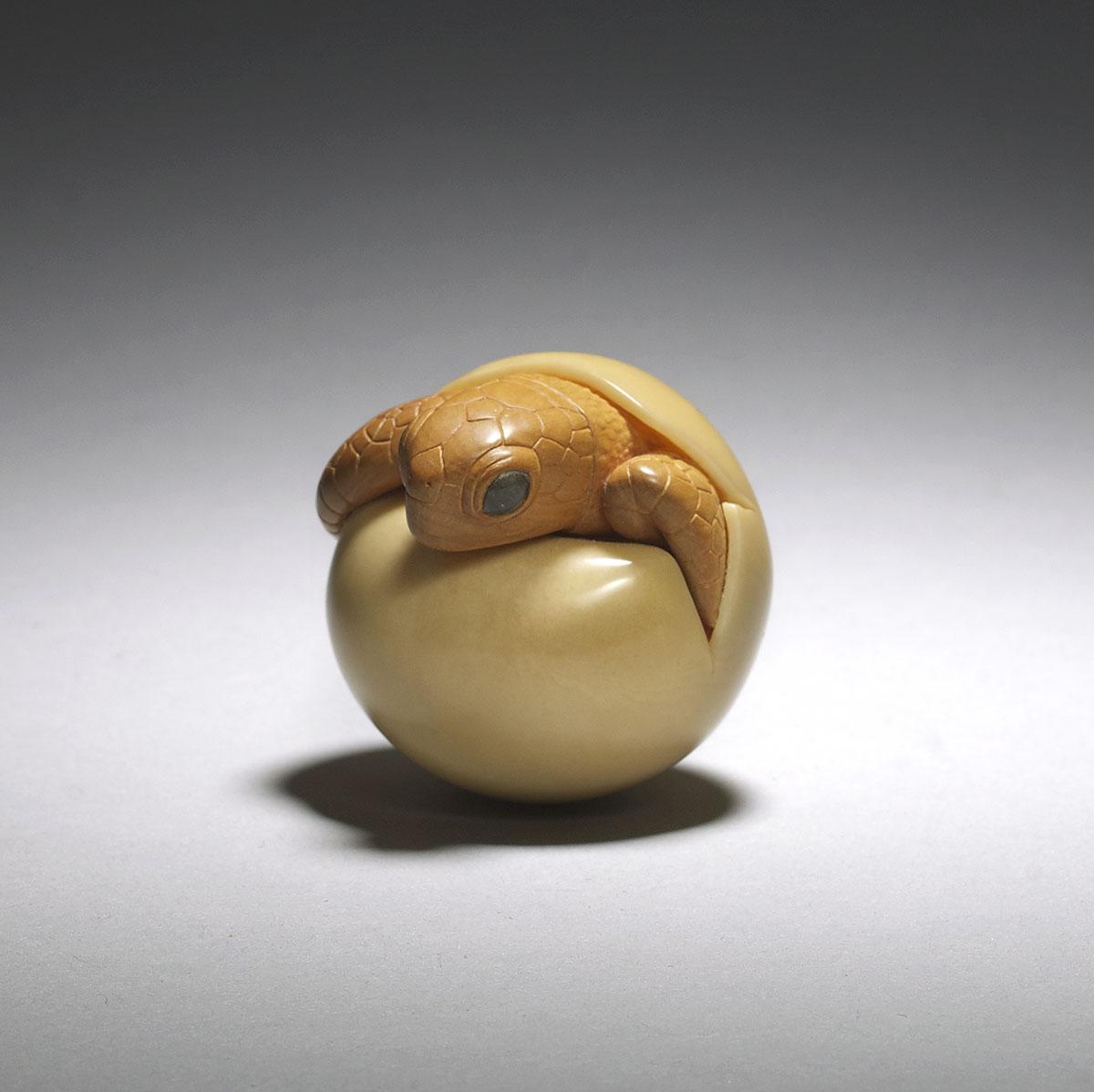 Susan Wraight, Boxwood and corozo nut netsuke of a hatching turtle