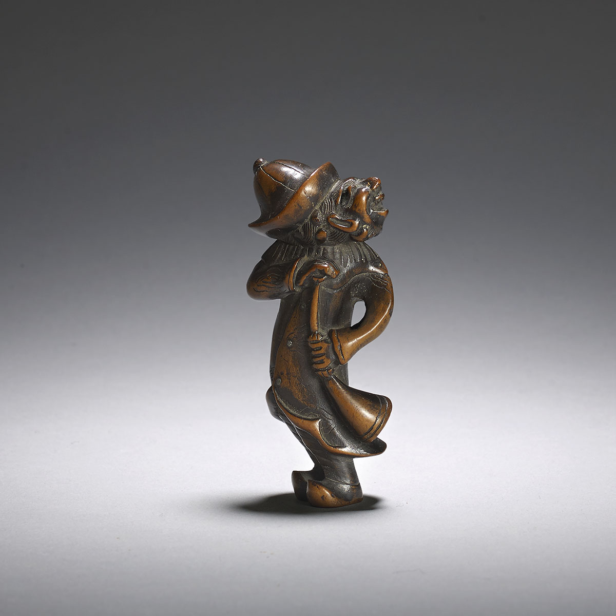 Wood netsuke of a dutchman