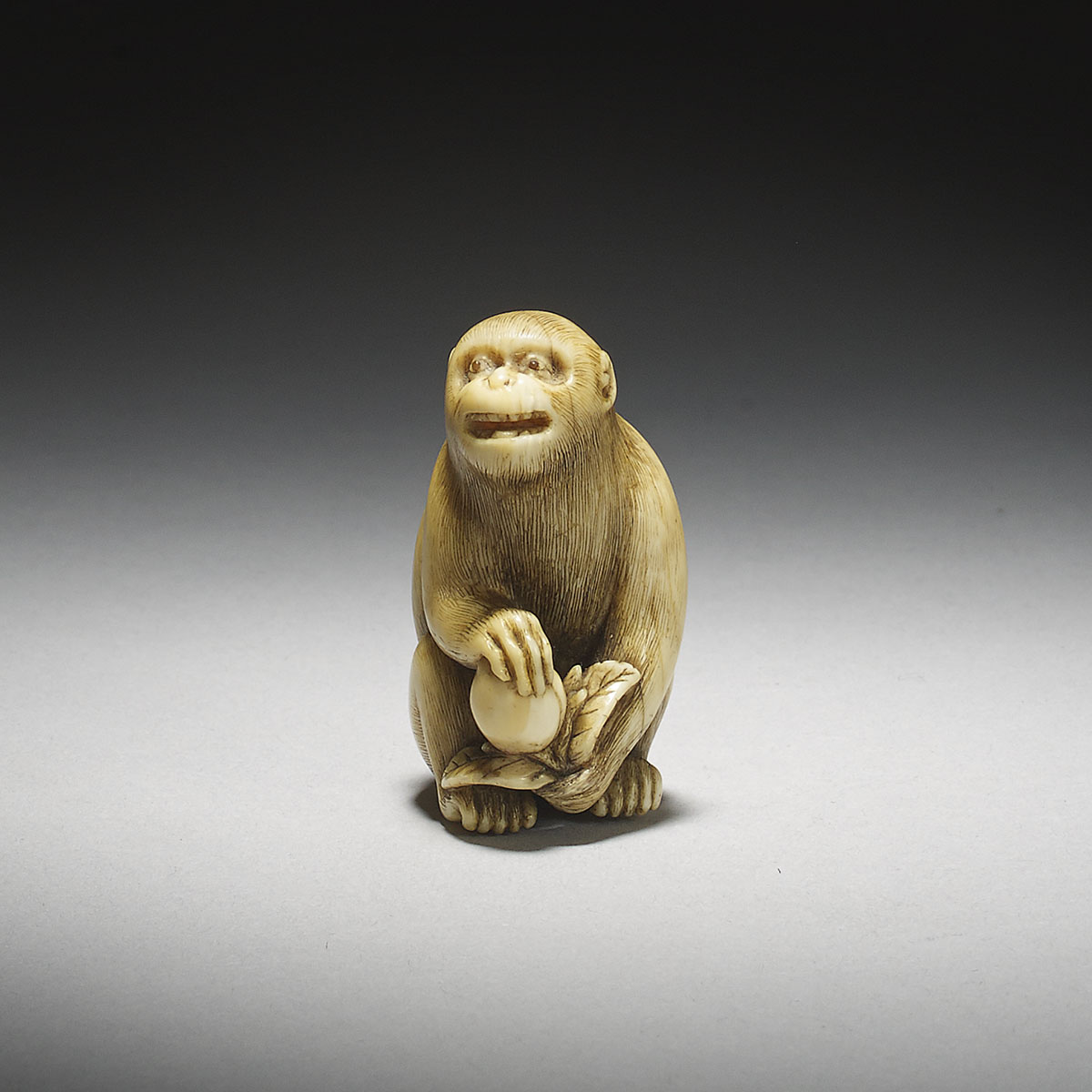 Ivory Netsuke of a Monkey with a Peach by Okatori_MR2913_v1
