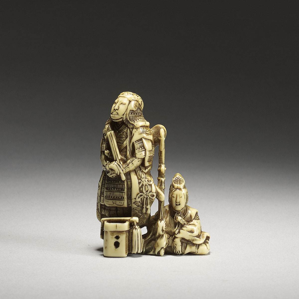 Ivory netsuke of the warrior Kusonoki Masashige, Shounsai Joryu,MR3100_V1