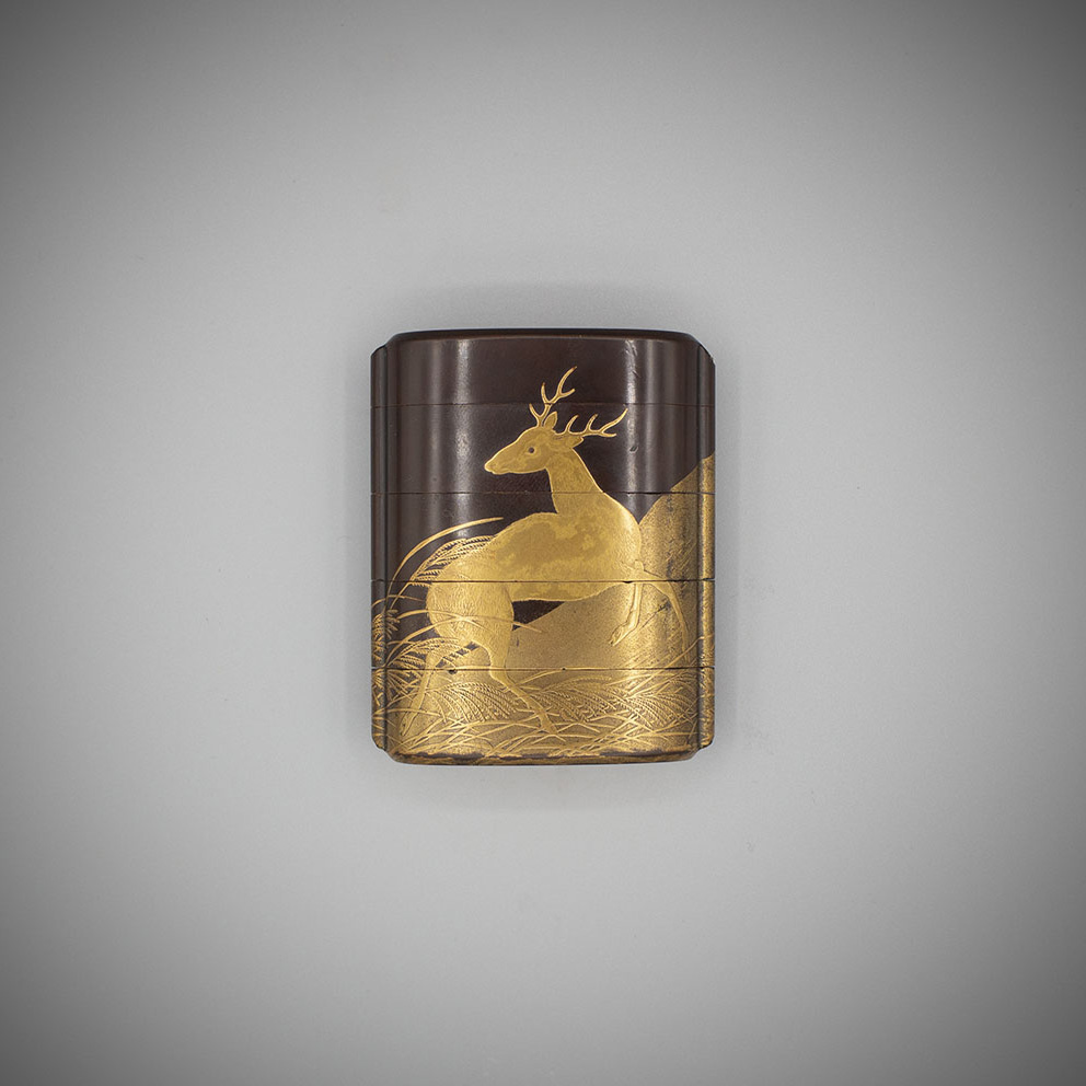 4 case brown lacquer inro with a stag by Shiomi Masanari, MR3159_v1-2