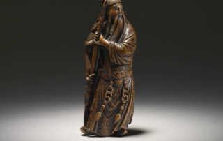 Large wood netsuke of standing Kan'u by Minkoku I, MR3162_v1-2