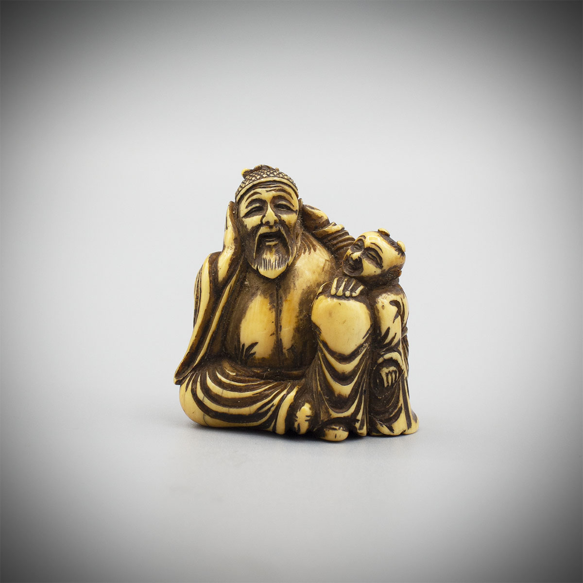 Netsuke of a Chinese literatus and karako, MR3252_v1