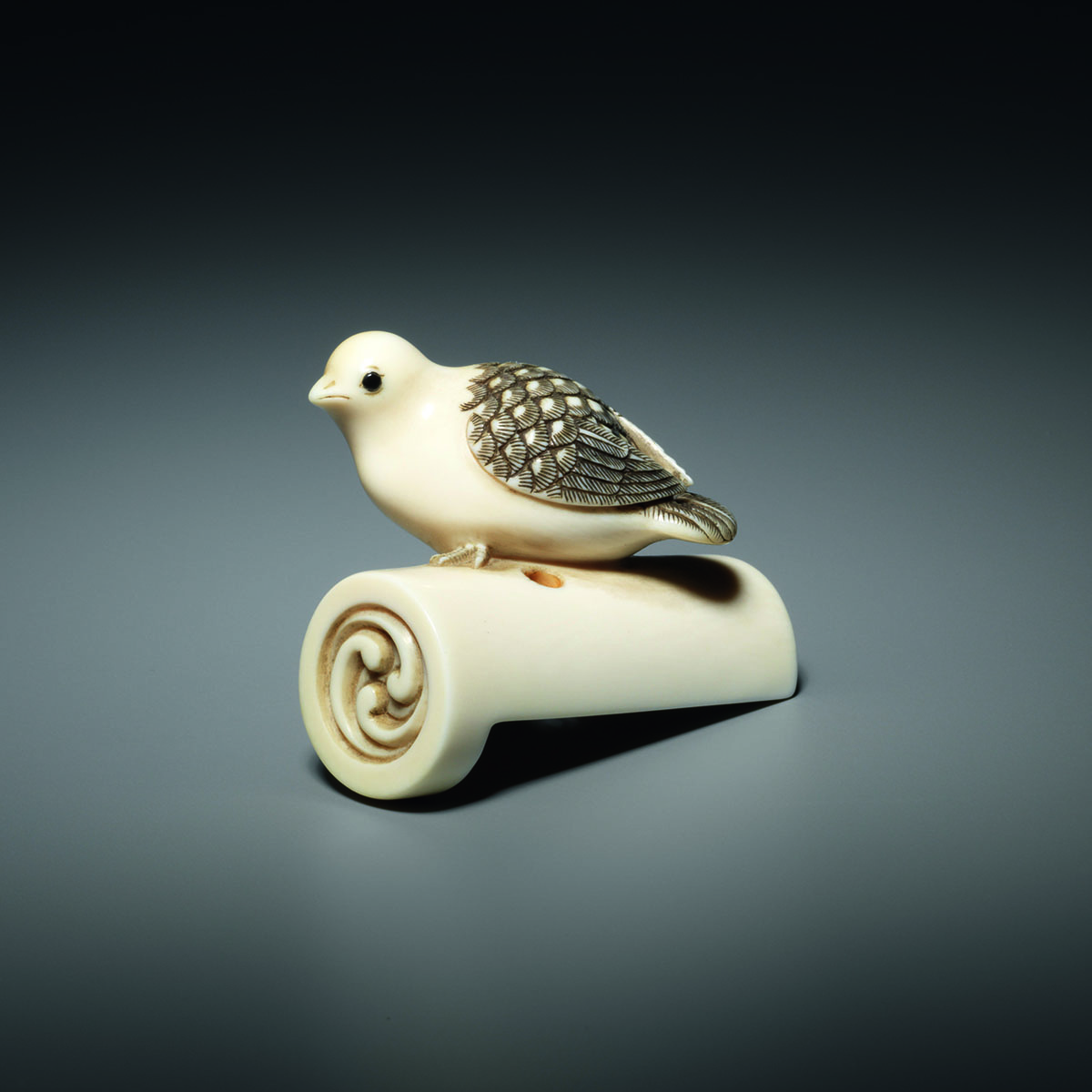 Ivory Netsuke of a Pigeon on a Rooftile by Anraku, MR3340-v1