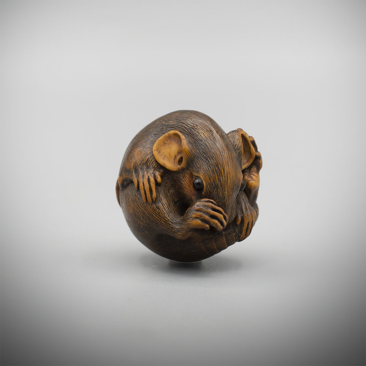 Wood Netsuke of a Balled Rat by Masanao of Ise, MR3366_v1
