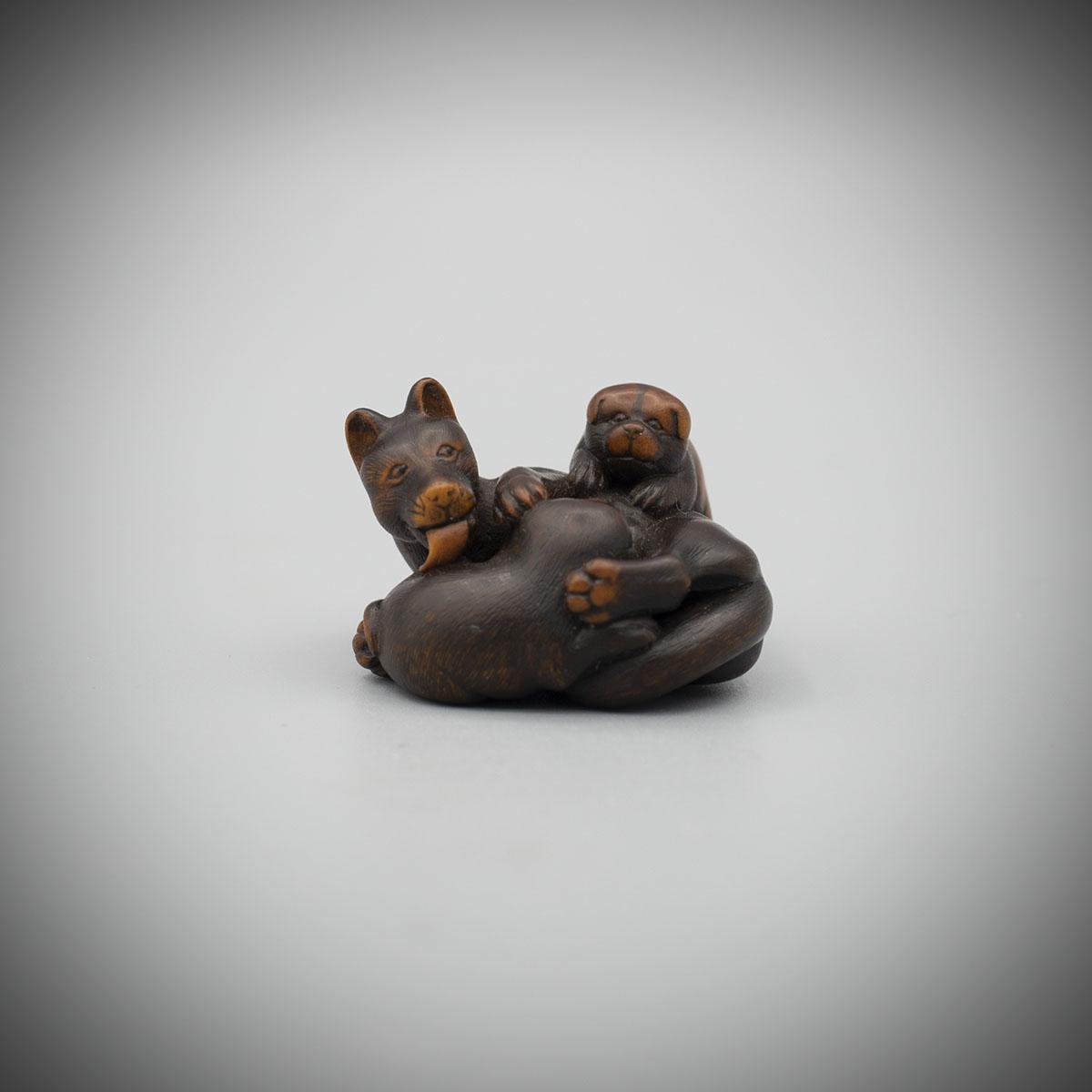 Wood Netsuke of a Bitch and Pups, Suzuki Masakatsu,MR1632_v1