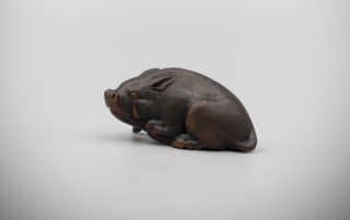 Wood Netsuke of a Resting Boar by Hokudo Itsumin (Active 1830-70), MR3369_v1