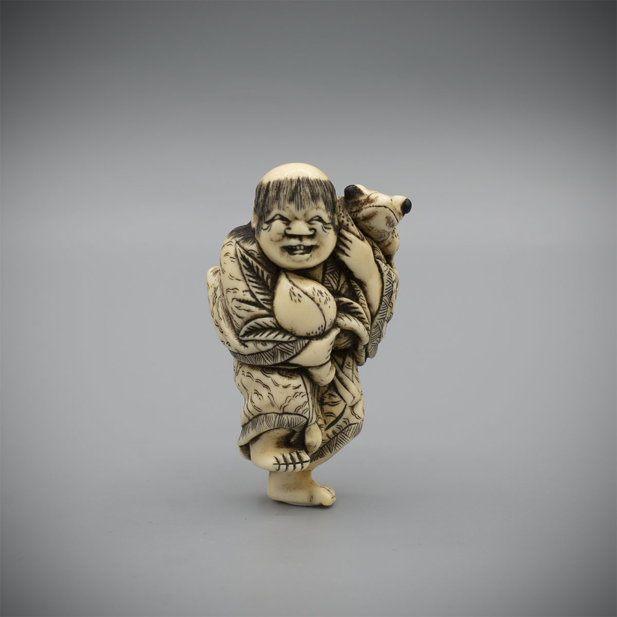 Ivory Netsuke of Gama Sennin by Masamori, MR3390_v1