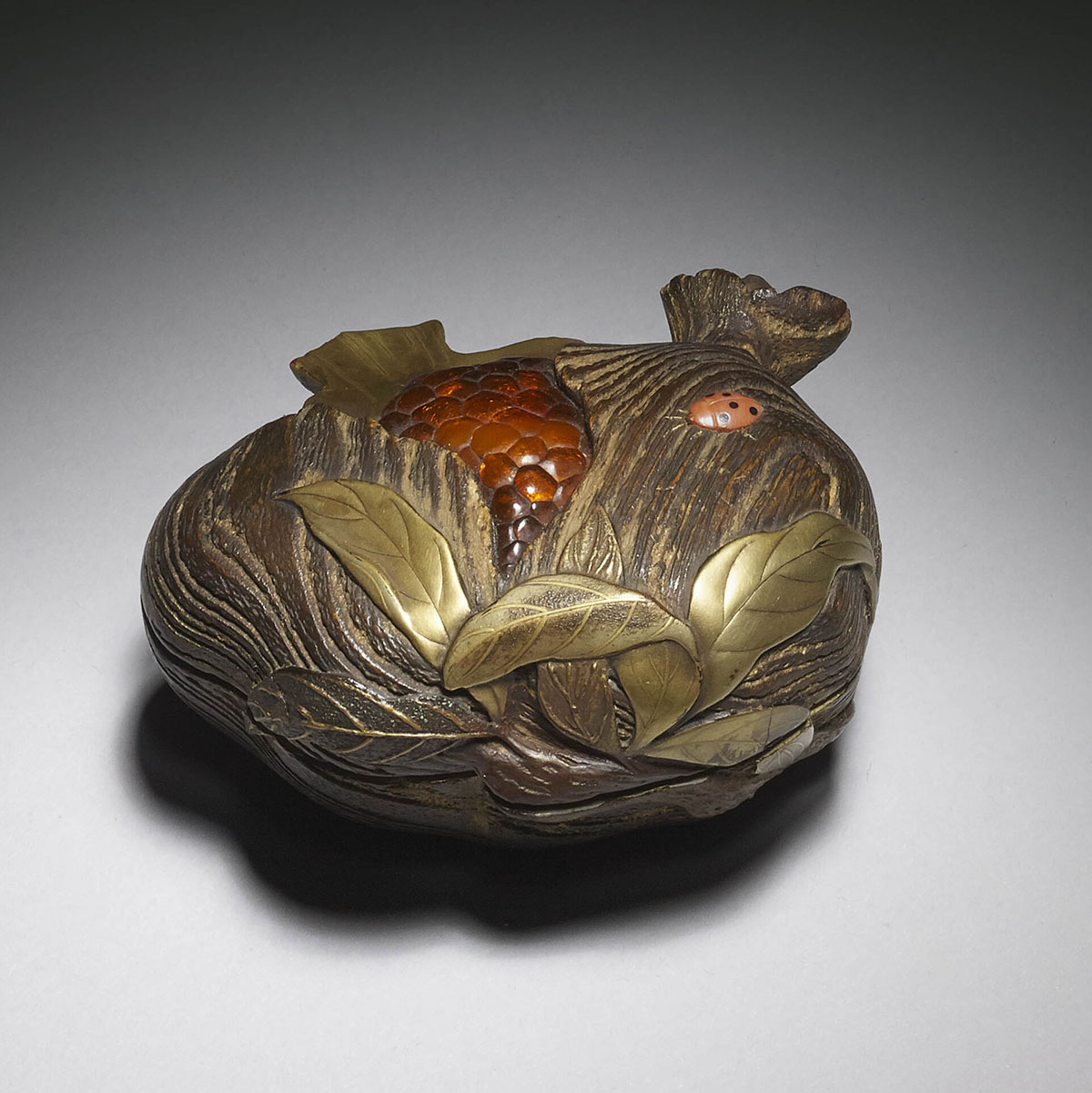Part-lacquered-pomegranate-box-MR850-2