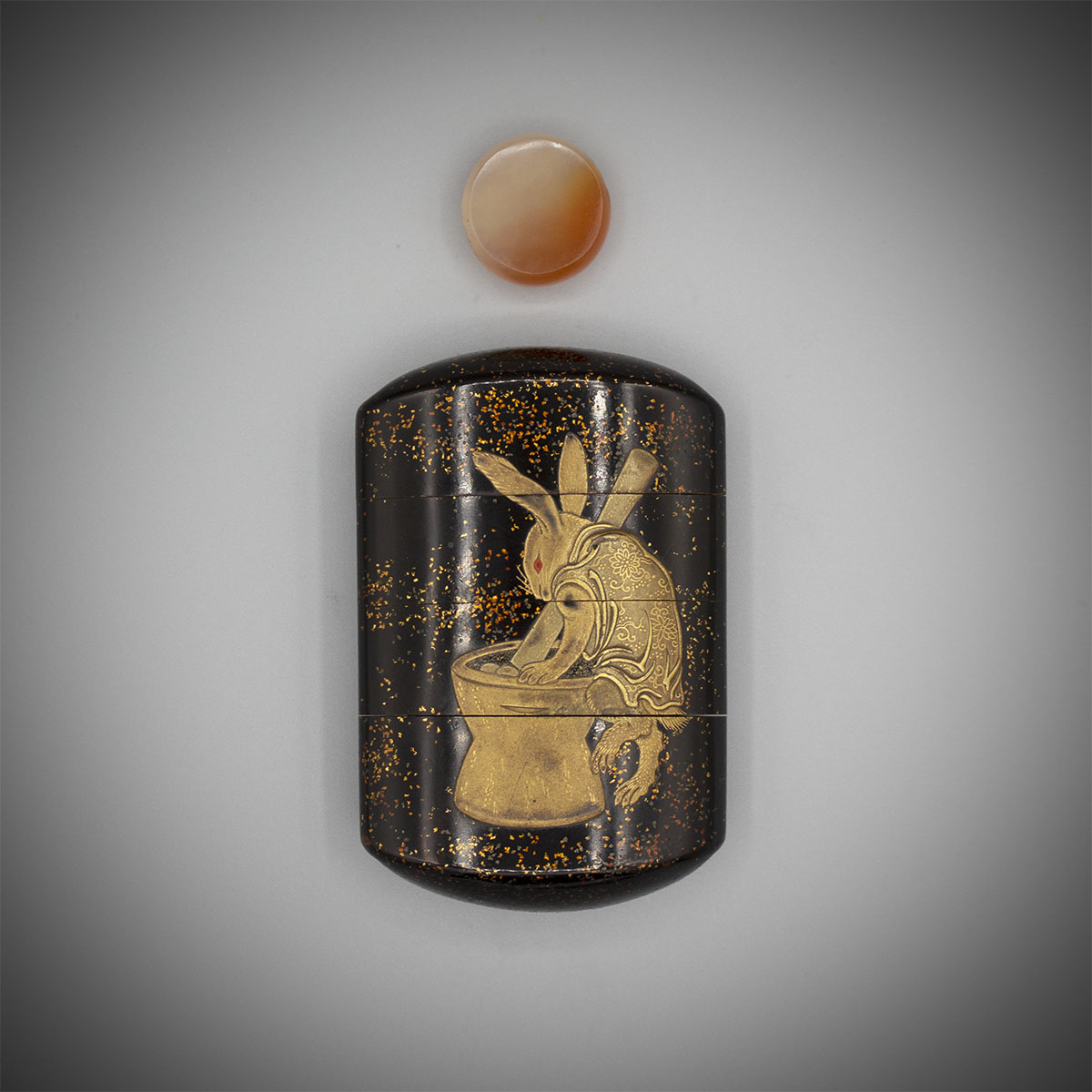 Inro with Lunar Hare MR3465_v.1