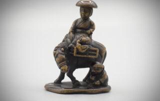 Wood Netsuke of Travelers by Miwa MR3479_v.1