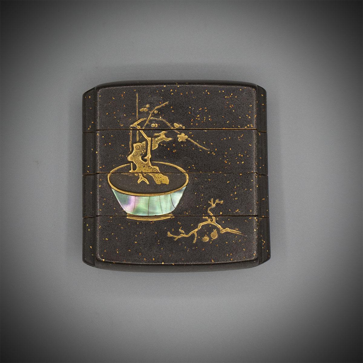 Frühes Silberlack-Inro mit drei Gehäusen und Bonsai MR3466_v.1