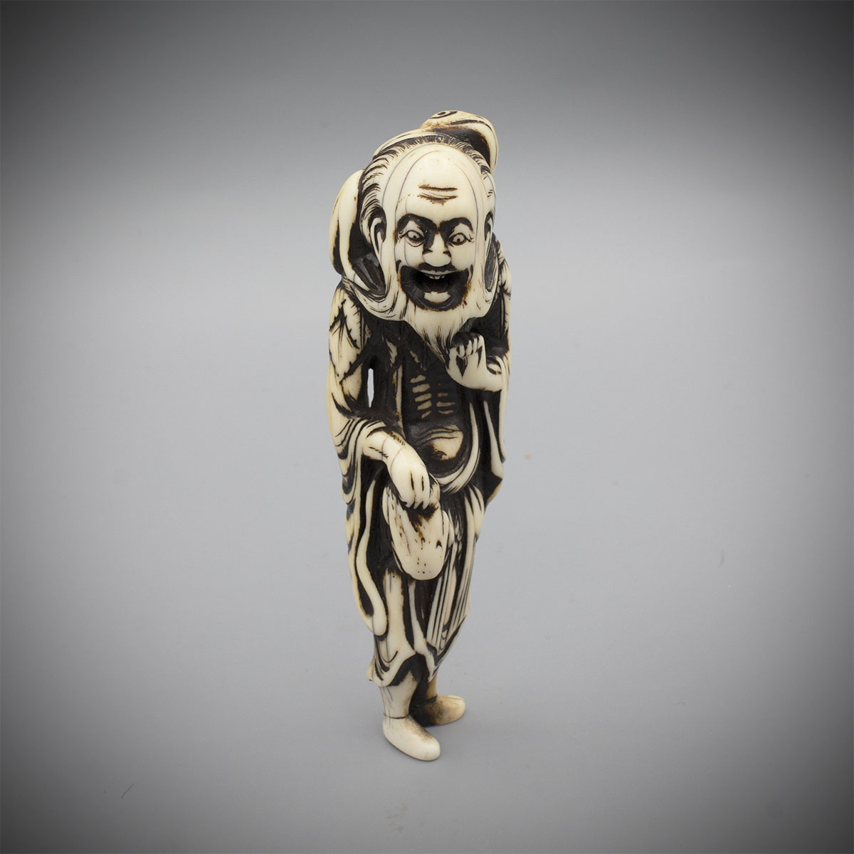 Ivory Netsuke of Gama Sennin MR3396_v.1