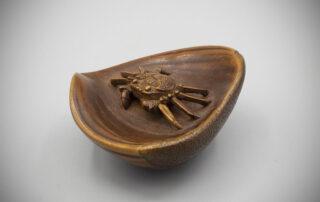 Wood Netsuke of a Crab in Chestnut by Miyazaki Josō MR3519_v.1