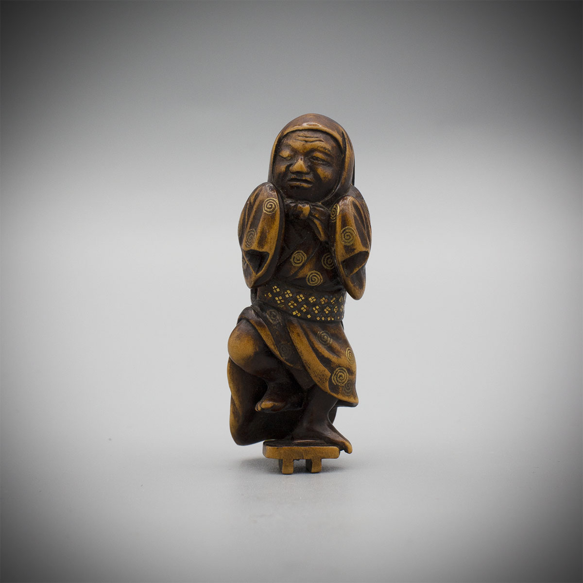Wood Netsuke of a Street Performer MR3510_v.1