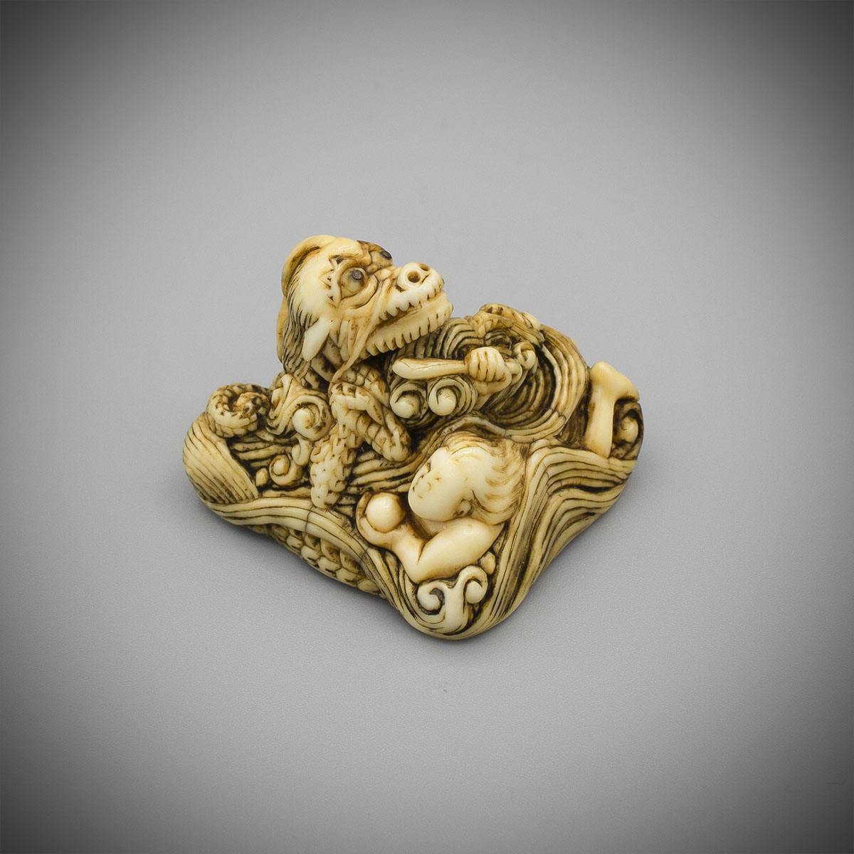 Ivory Sankaku Netsuke of Tamatori and a Dragon by Hozan, MR3553_v.1