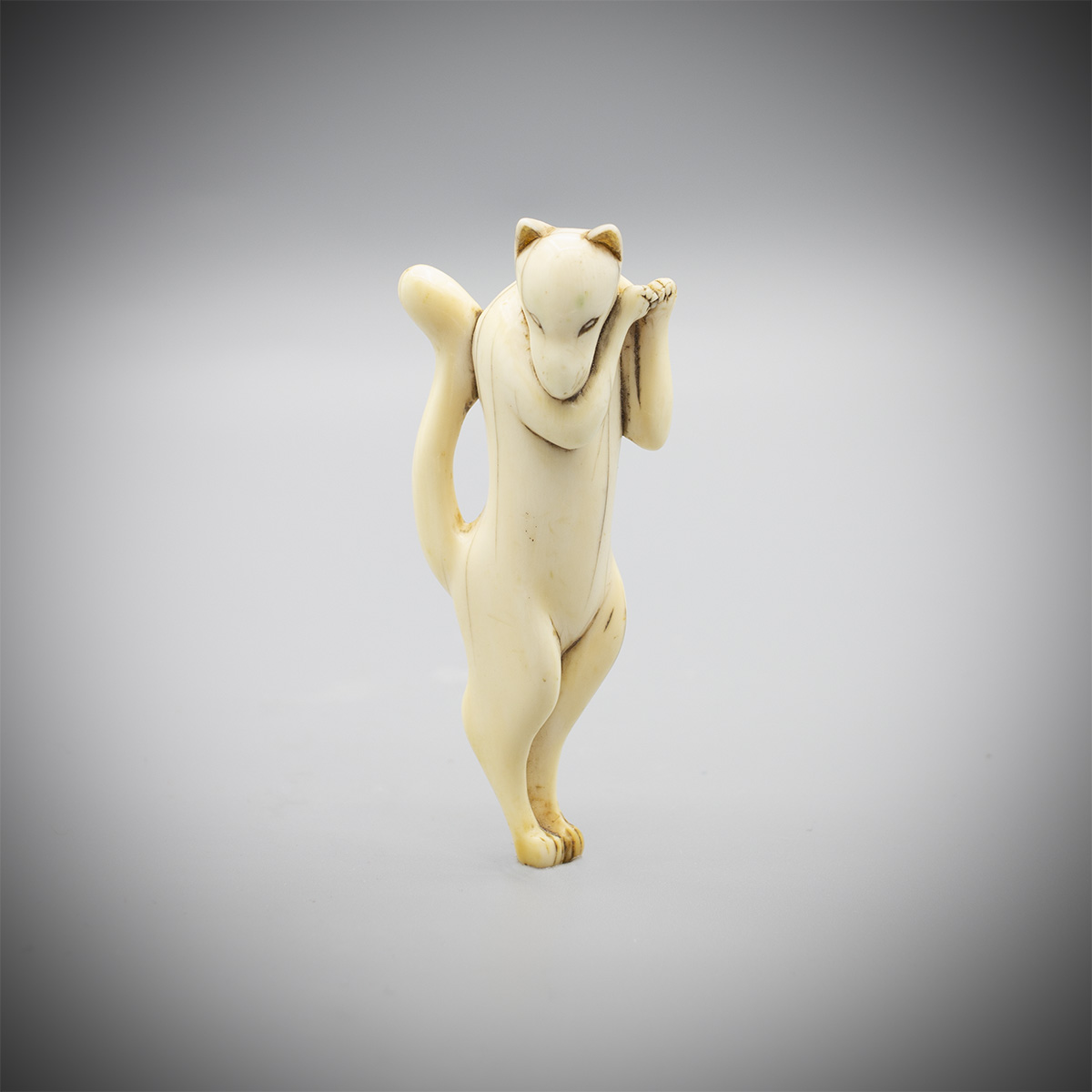 Bone netsuke of the Inari fox, MR3575_v.1