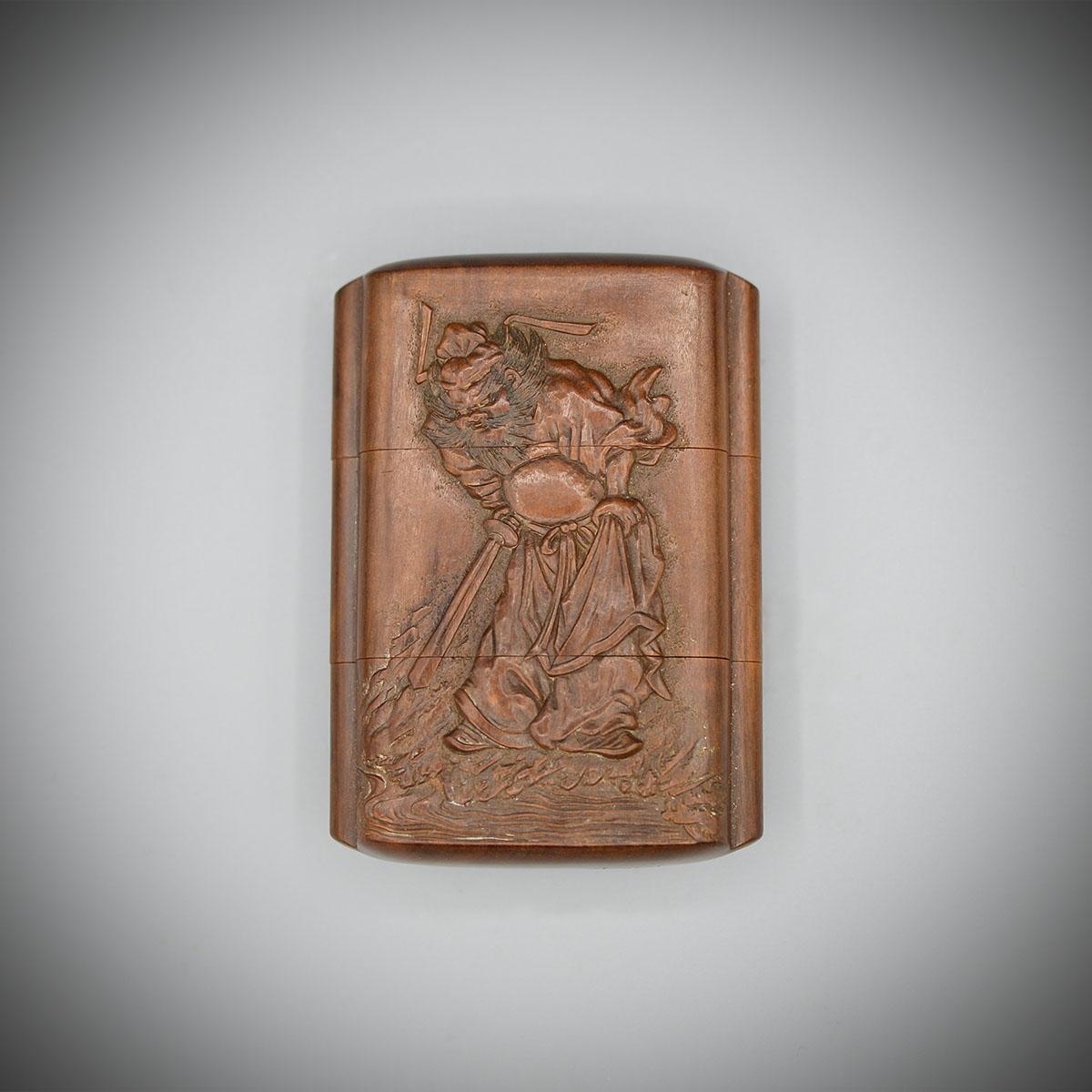 Ein Holz-Zwei-Fall-Inro mit Shoki und Oni von Masanao von Ise, MR3649_v.1