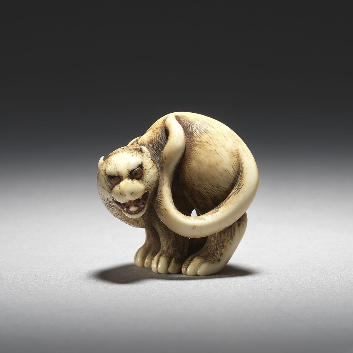 MR3677_v1 Otoman ivory tiger netsuke