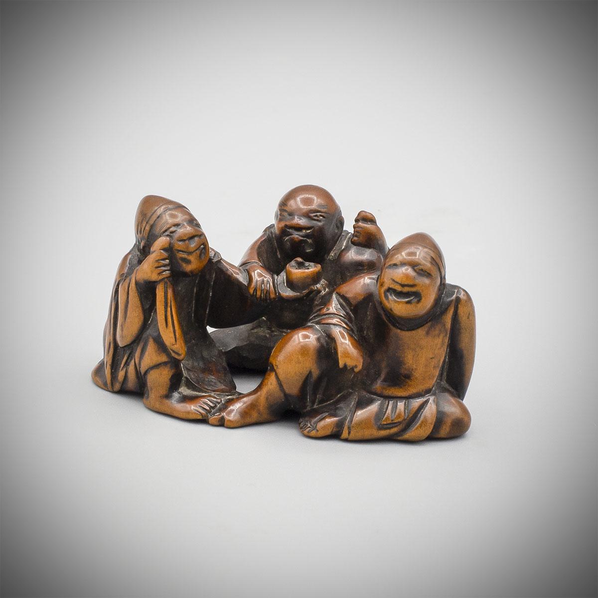 MR3689_v.1 Wood netsuke of three drunken eji by Toyu