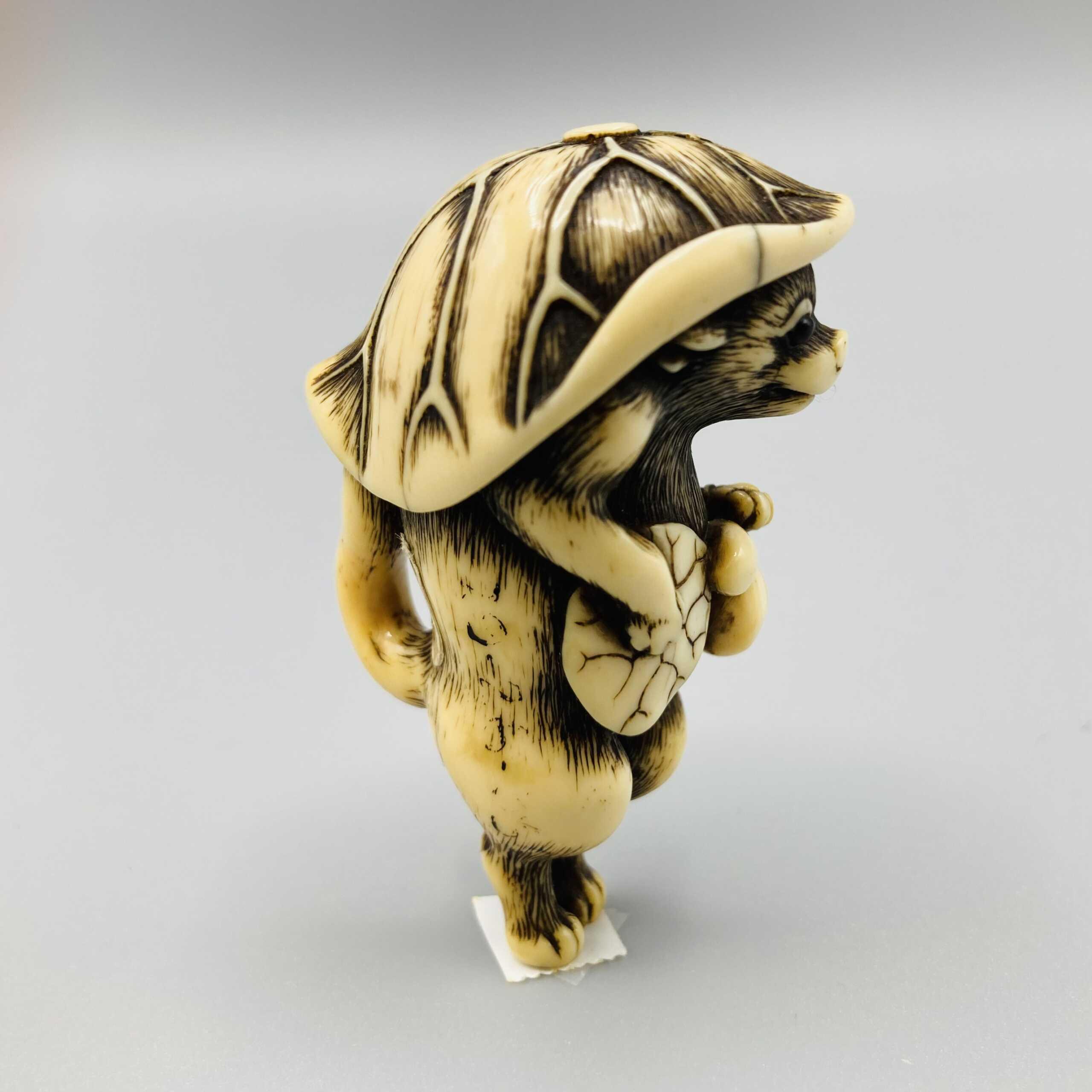 Osaka ivory tanuki netsuke 2