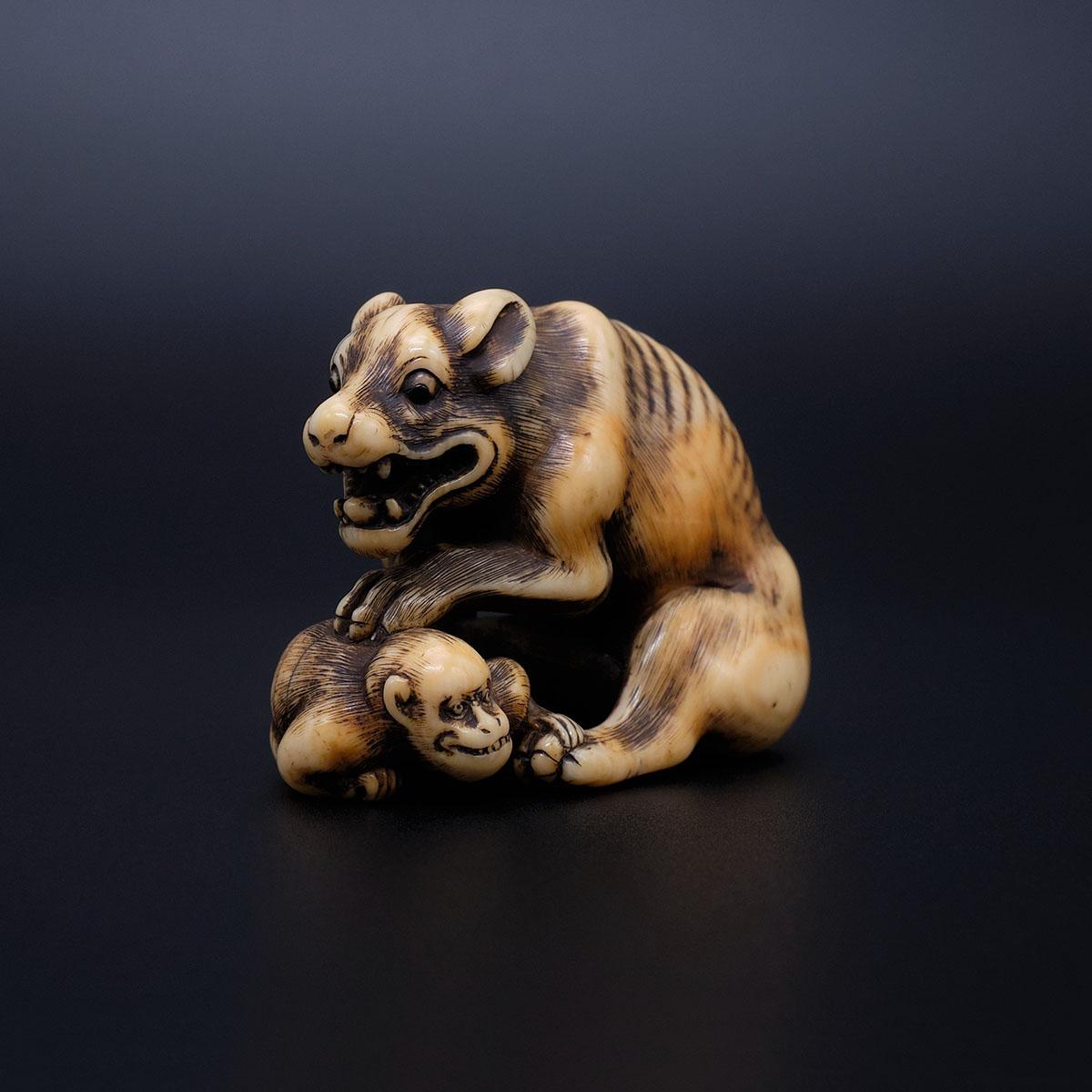 Wolf with monkey Okatomo-2