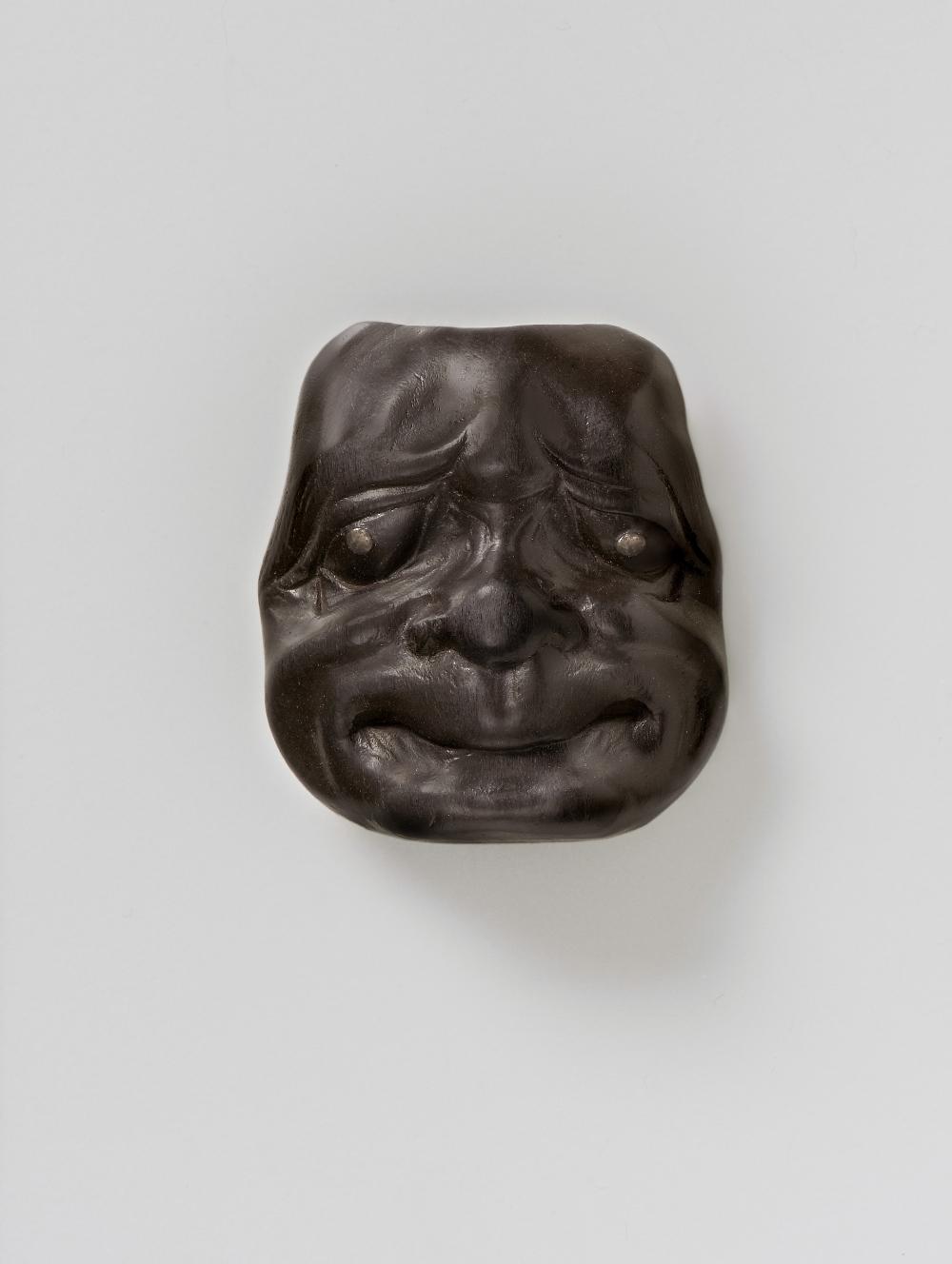 MR3071Dark wood mask netsuke of Beshimi